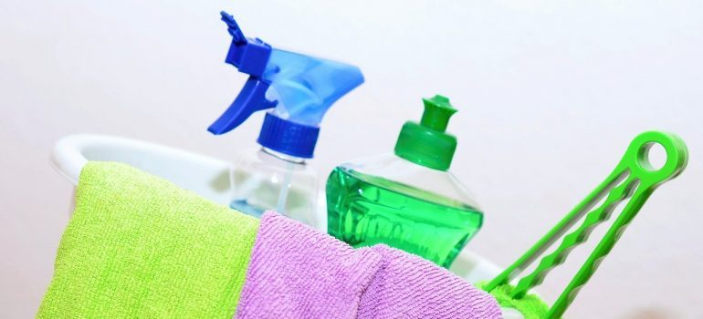 clean - move out cleaning checklist